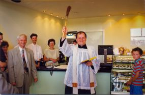Otwarcie Cukierni Tiramisu 16.08.1997 r. -  poświęcenie sklepu