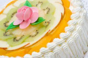 Tort z bitej śmietany