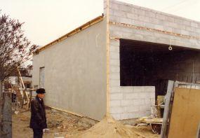 Budowa cukierni Tiramisu w Łomiankach. Rok 1997